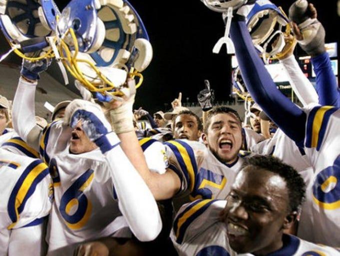 story sports high school football cavemen stumble mayfield