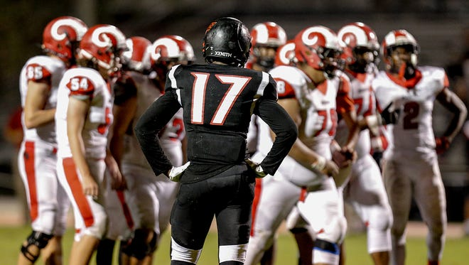 PRP defender Dayon Pulliam (17) inspects the Manual offense. Friday, Oct. 13, 2017.