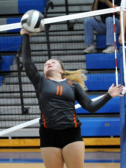 635810553799658314-BUC-1022-Gibsonburg-at-Wynford-Sectional-Volleyball-4