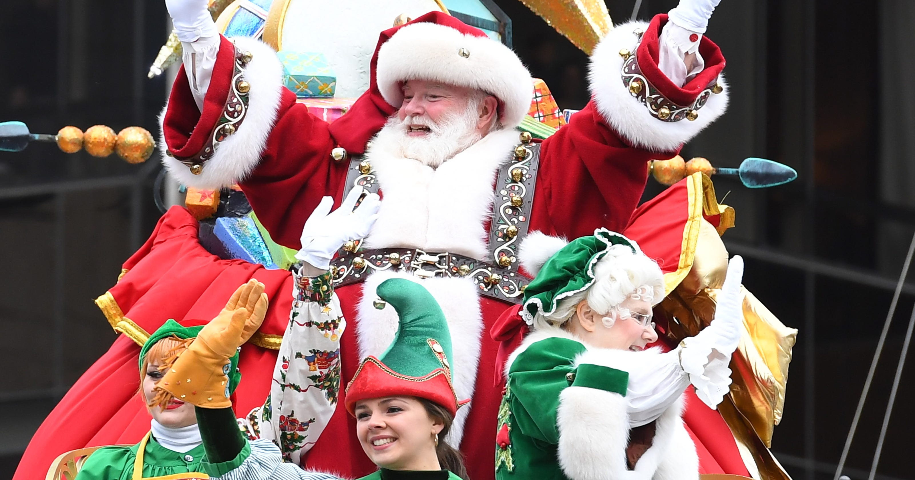 Santa Arrives When Happy Thanksgiving >> Macy S Thanksgiving Day Parade What Time Does It Start How To Watch