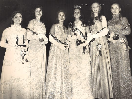 Liz Bracken being crowned Miss Westchester in 1971