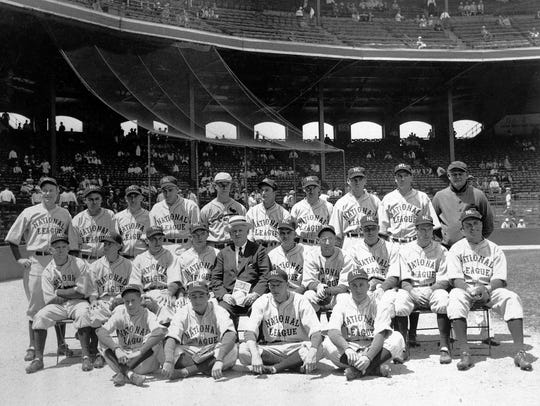 The National League team posed before the first major
