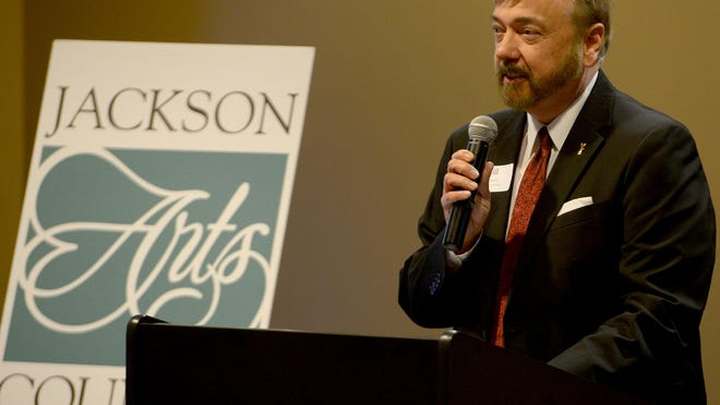 Steve Raper welcomes guests to the seventh annual Arts Leadership Breakfast on Thursday morning.