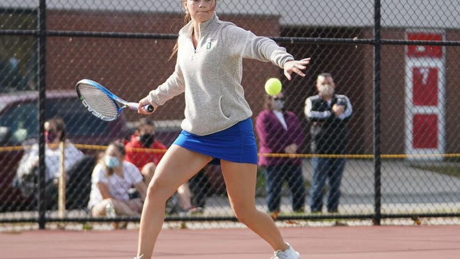 The Middletown girls tennis team will take on rival Portsmouth on Saturday.