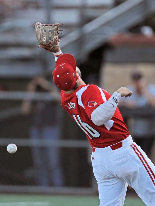 NCAA_Texas_Tech_Louisville_Baseball_80329.jpg