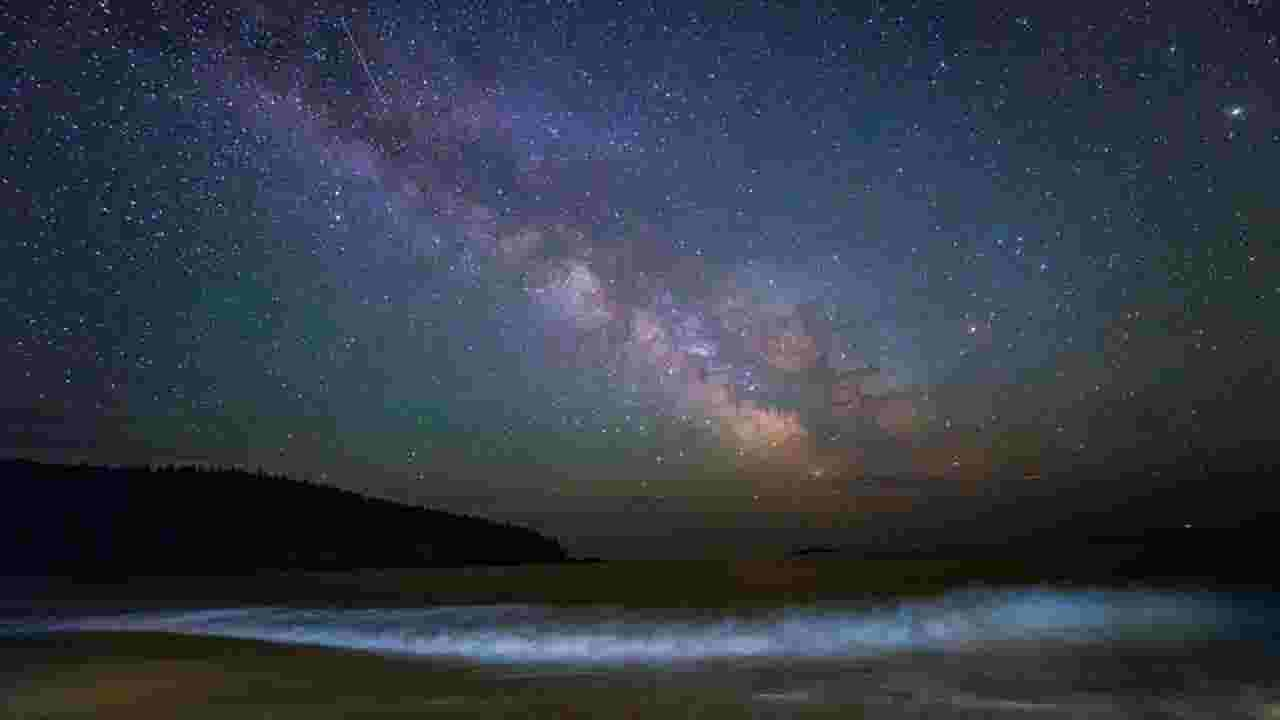 Massive cloud is on 700,000 mph collision course with Milky Way