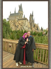 Thomas Brandt proposed to Rachel Sloan in front of Hogwarts Castle at Orlando's University Studios Harry Potter World theme park.