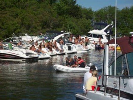 -F-Cove boaters.jpg_20120504.jpg