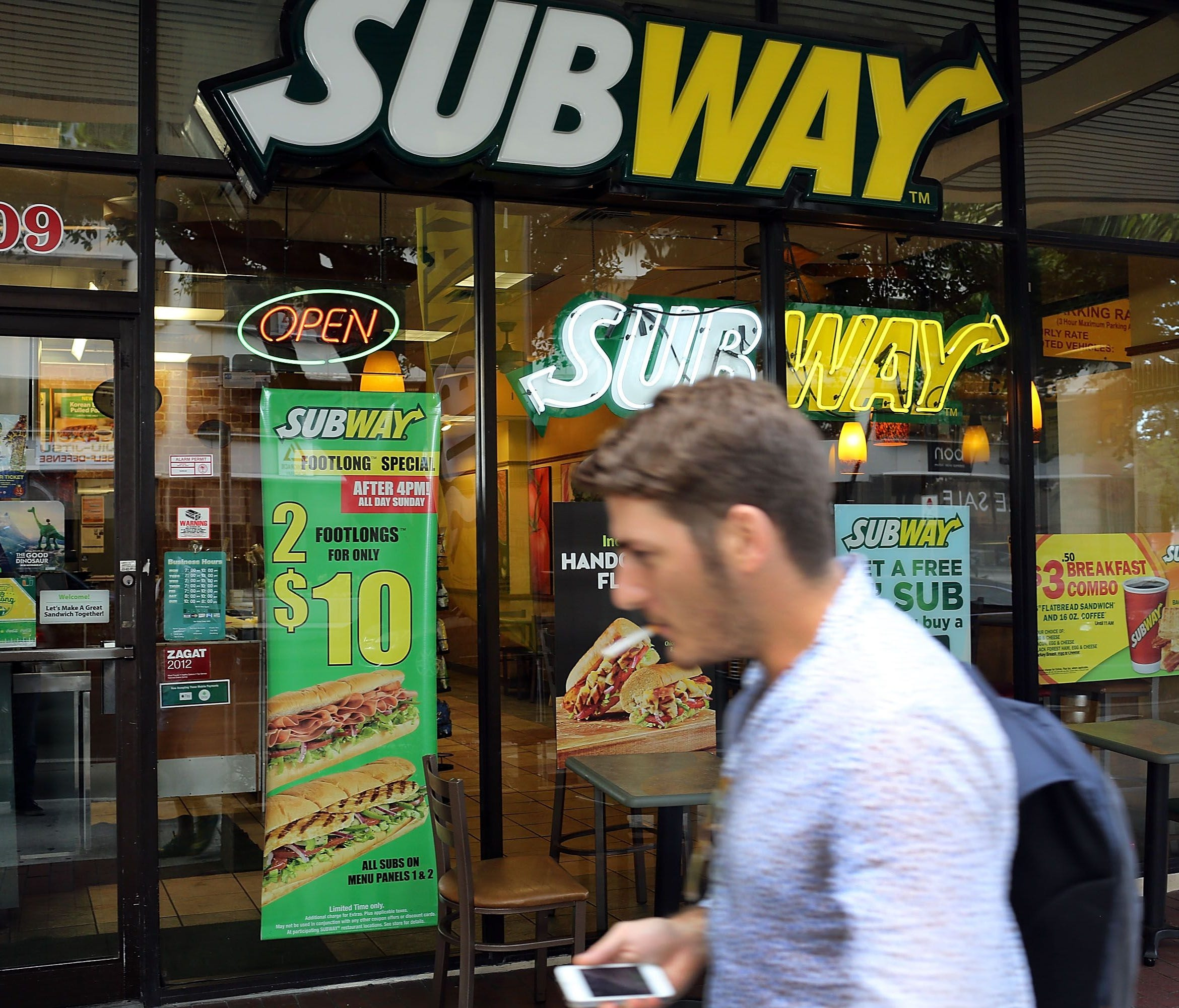 Subway Restaurants is planning to shutter an estimated500 locations in the U.S. The Milford, Conn.-based chain wants to focus on better restaurant locations and boosting sales,according to Bloomberg. High on its priorities list is overseas expansio