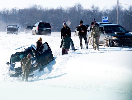Clarksville-Snow-Jan16-Secondhalf-6.JPG