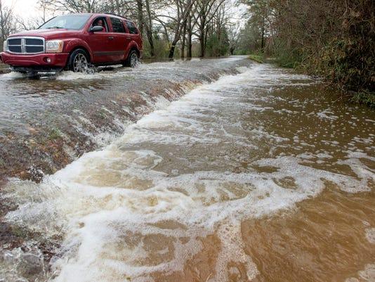 635866430457673472-flooding03-3-.jpg