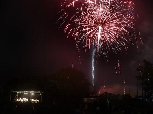 001-Murfreesboro fireworks.jpg