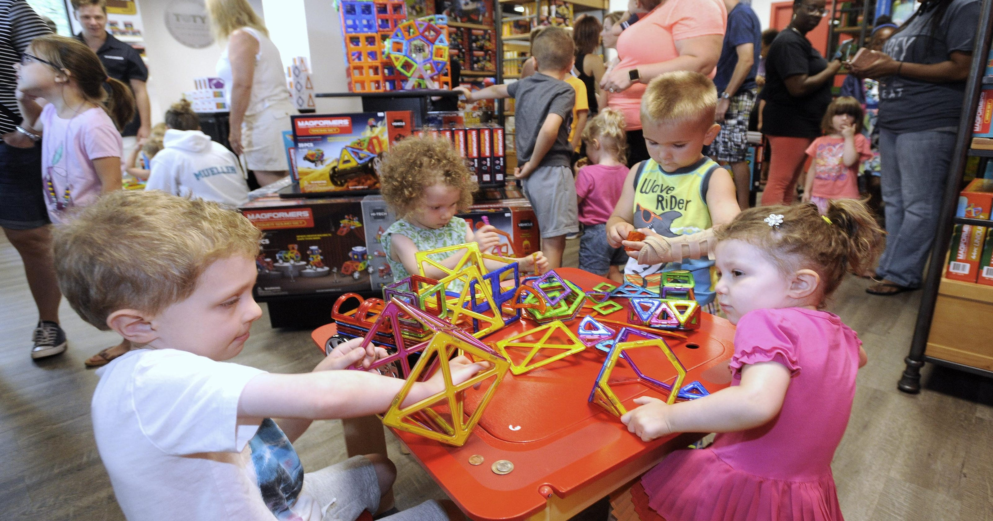 Magformers toy company opens Canton Twp  play space