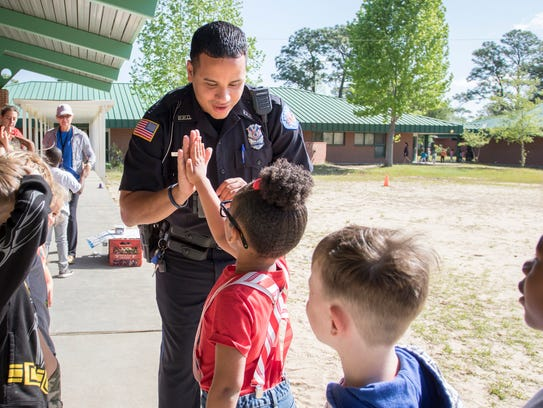 Off-duty Pensacola Police Department and school resource