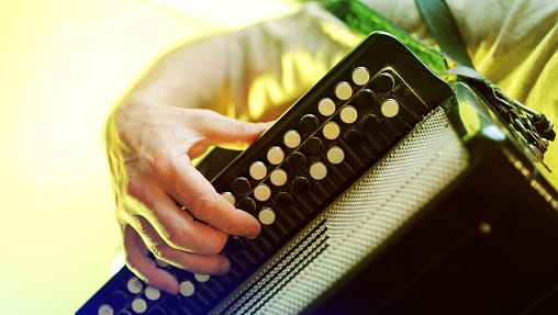 Pete Revelle will play the accordion at Between Work and Dinner on Wednesday