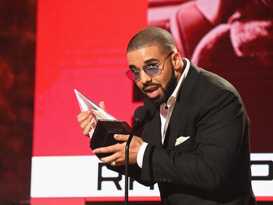 Recording artist Drake accepts the Favorite Rap/Hip-Hop