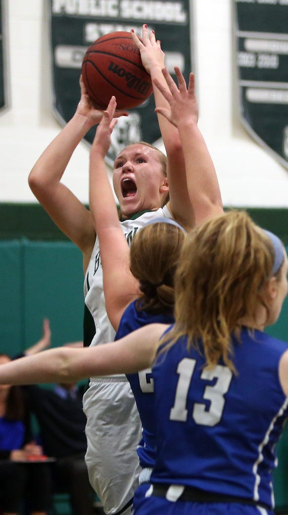 Brewster's Megan Beal (31) puts up a shot against Pearl