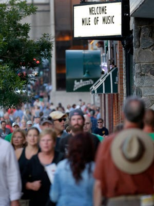 Downtown Appleton has seen large crowds each of the first three days of Mile of Music.