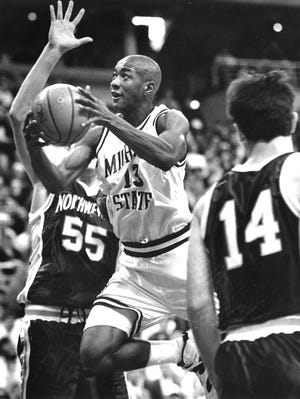 Eric Snow averaged 10.8 points, 7.8 assists and was the Big Ten's defensive player of the year in 1994-95.