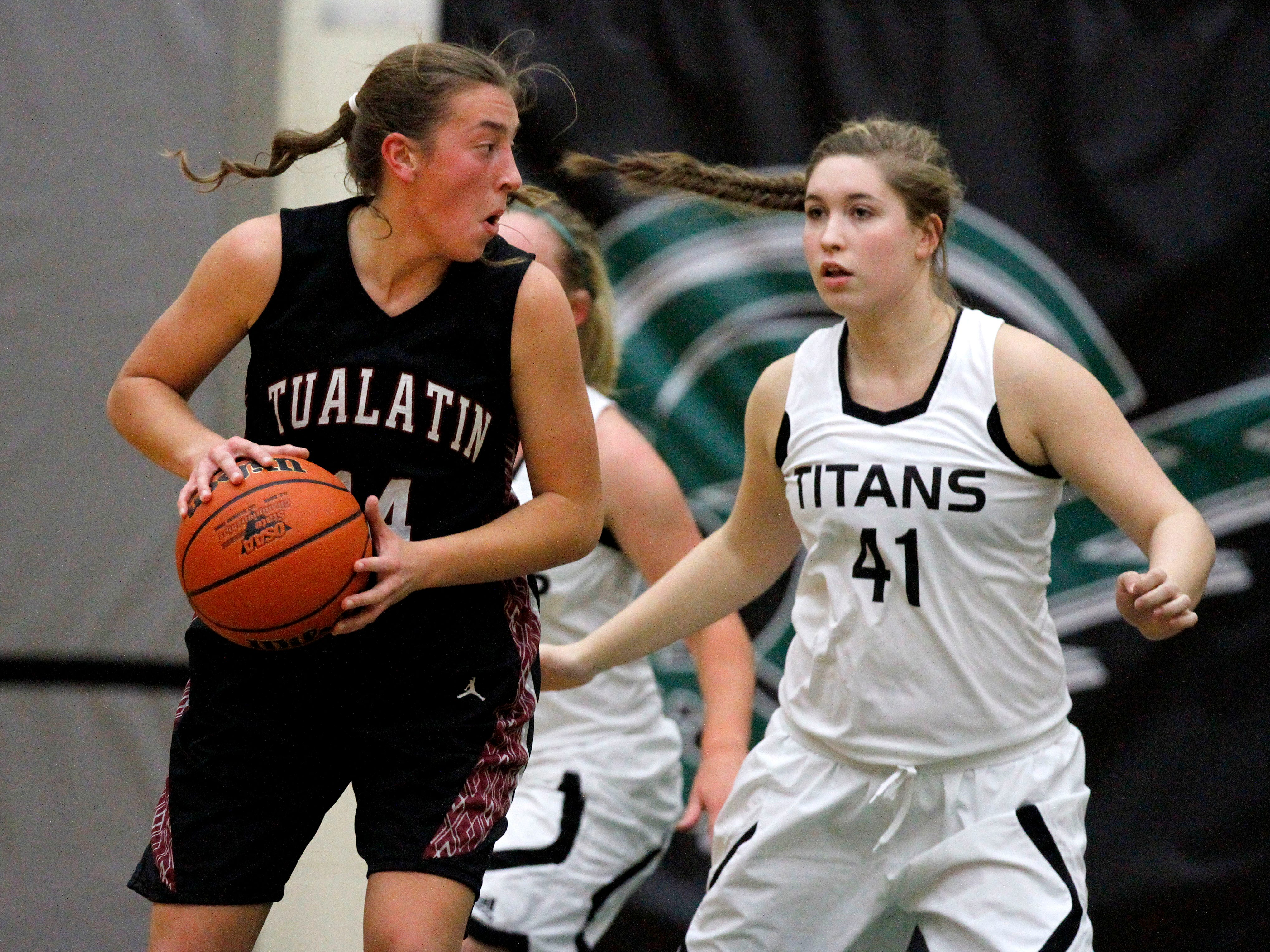 West Salem High School hosts Tualatin for their non-league game on Friday, Dec. 5, 2014, in Salem.
