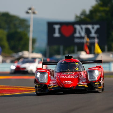 Stephen Simpson's daring pass leads to victory at Sahlen's Six Hours of The Glen
