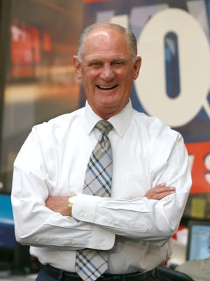 Dave Munsey revealed a secret to The Arizona in 2005: He will wear only white shirts with his suits on camera.