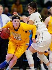 South Dakota State's Ellie Thompson drives the baseline
