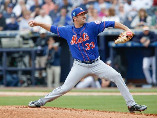 Matt Harvey fires a pitch against the Yankees.