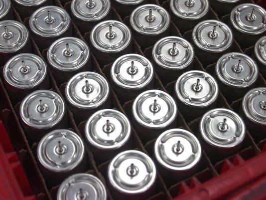 JG 060507 Batteries 4.jpg