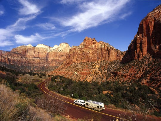 Mt Carmel Hwy Zion 3_copyright Utah Office of Tourism, Sandra Salvas