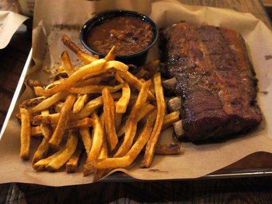 Mission BBQ's rib combo.