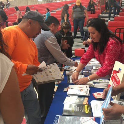 Volunteers from TODEC Legal Center and the Mexican