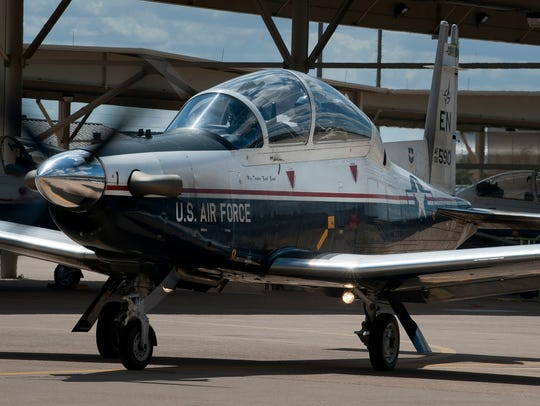 A T-6A Texan II taxis at Sheppard Air Force Base, Texas.