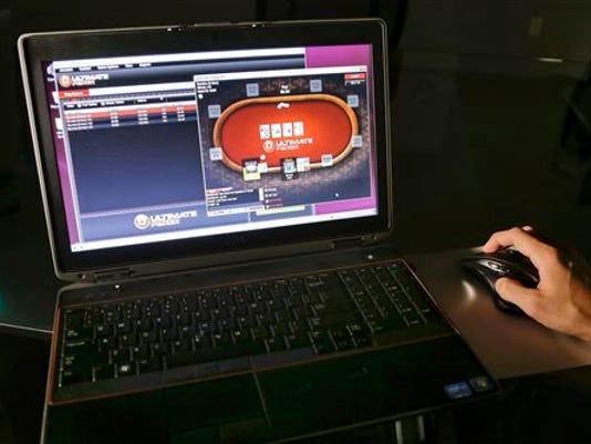 Online Poker 2.jpg