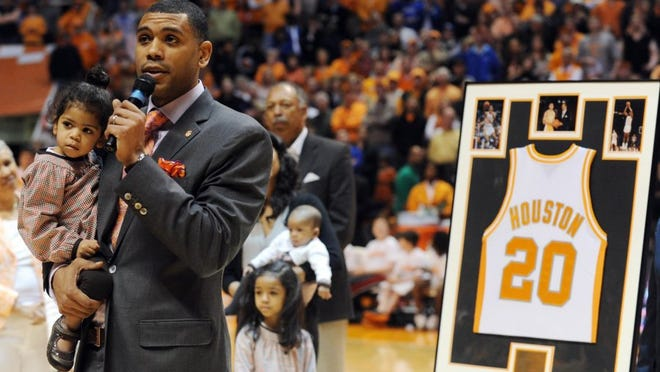 Tennessee's all-time scoring leader, Allan Houston, addresses the crowd at Thompson-Boling Arena in March 2011 during a ceremony to retire his jersey.