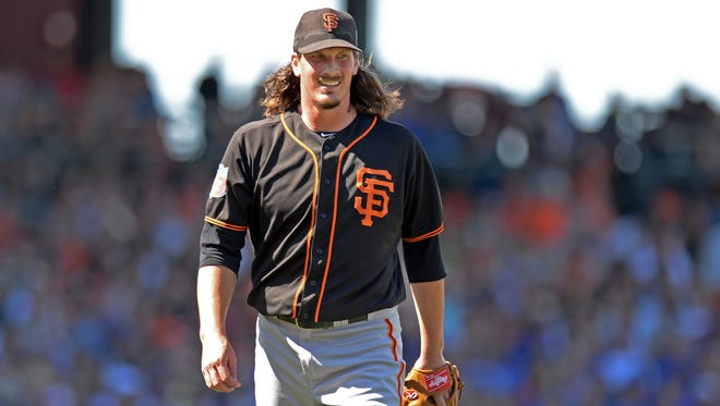 Jeff Samardzija impressed the Giants with his willingness to take a pounding in a lost 2015 with the Chicago White Sox.