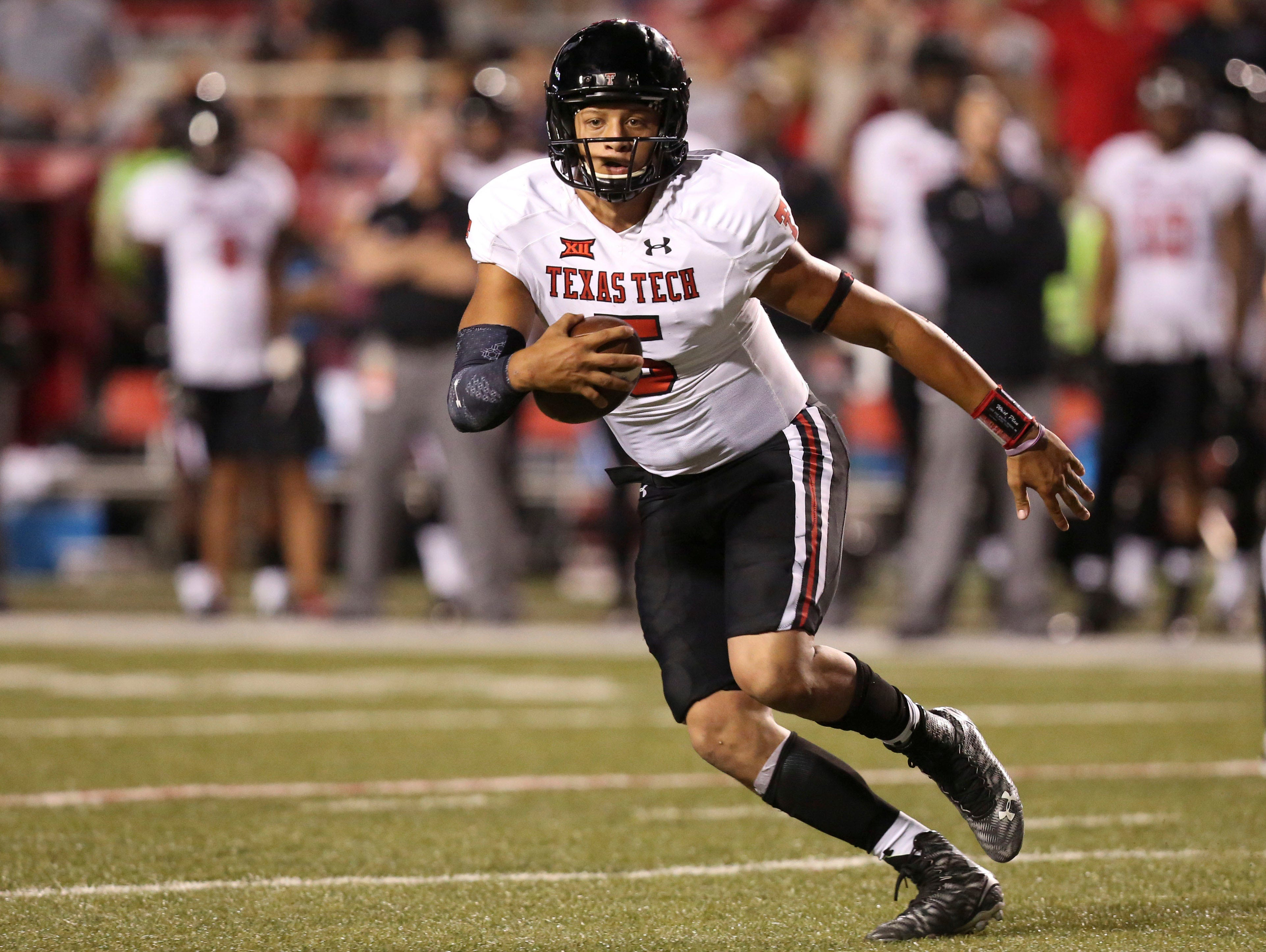 Texas Tech Red Raiders quarterback Patrick Mahomes finished 26-of-30 passing for 243 yards and a score, and he also rushed for 58 yards and a pair of touchdowns.