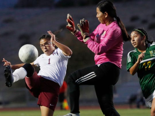 Rancho Mirage High School's Katalina Valenzuela tries