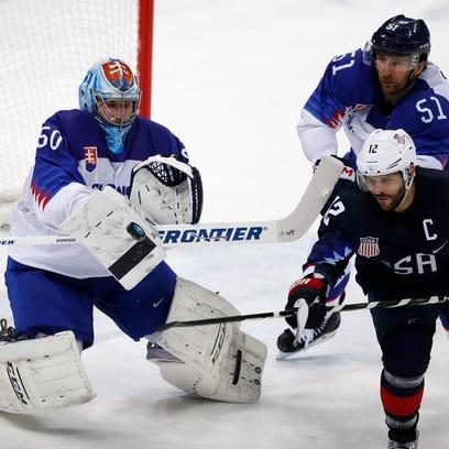 USA, Gionta advance to quarterfinal round with 5-1 win over Slovakia