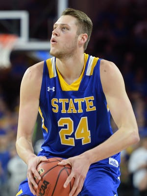 Sophomore forward Mike Daum shattered the South Dakota State scoring record this season. He had 25 20-point games and scored 51 against Fort Wayne, equaling the NCAA single-game high in 2016-17.