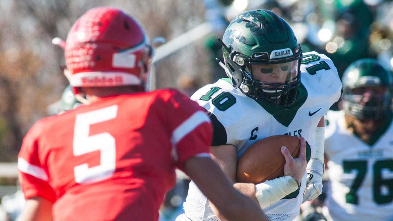 Watch: West Deptford football downs Paulsboro 35-26