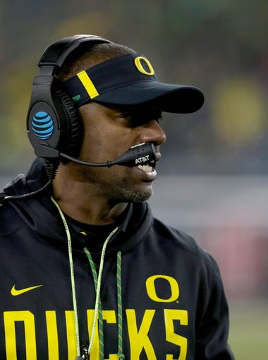 Oregon Ducks head coach Willie Taggart walks on the side line in the forth quarter against the Arizona Wildcats at Autzen Stadium.
