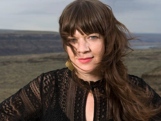 Seattle-based singer-songwriter Shelby Earl headlines