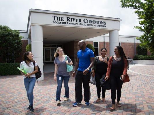 0704-YNSL-MC-IR-IRSC-Students-on-campus.jpg