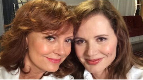 """Susan Sarandon and Geena Davis pose for a remake of their """"Thelma and Louise"""" selfie."""