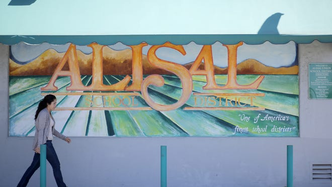 Alisal school district mural