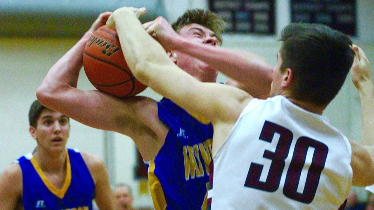 Check out the top five plays between Waynebsoro and Manheim Central in a District 3 Class 5A boys basketball first-round matchup.