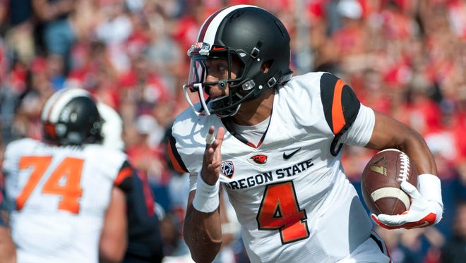 Oregon State's Seth Collins set to rejoin football program as a wide receiver.