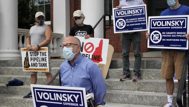 Democratic gubernatorial candidate Andru Volinsky speaks at a press conference opposing the Granite Bridge pipeline proposed to be constructed in the Route 101 corridor between Exeter and Manchester.
