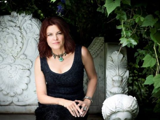 635789814074466068-ENT-RosanneCash9-PhotoCredit-ClayPatrickMcBride